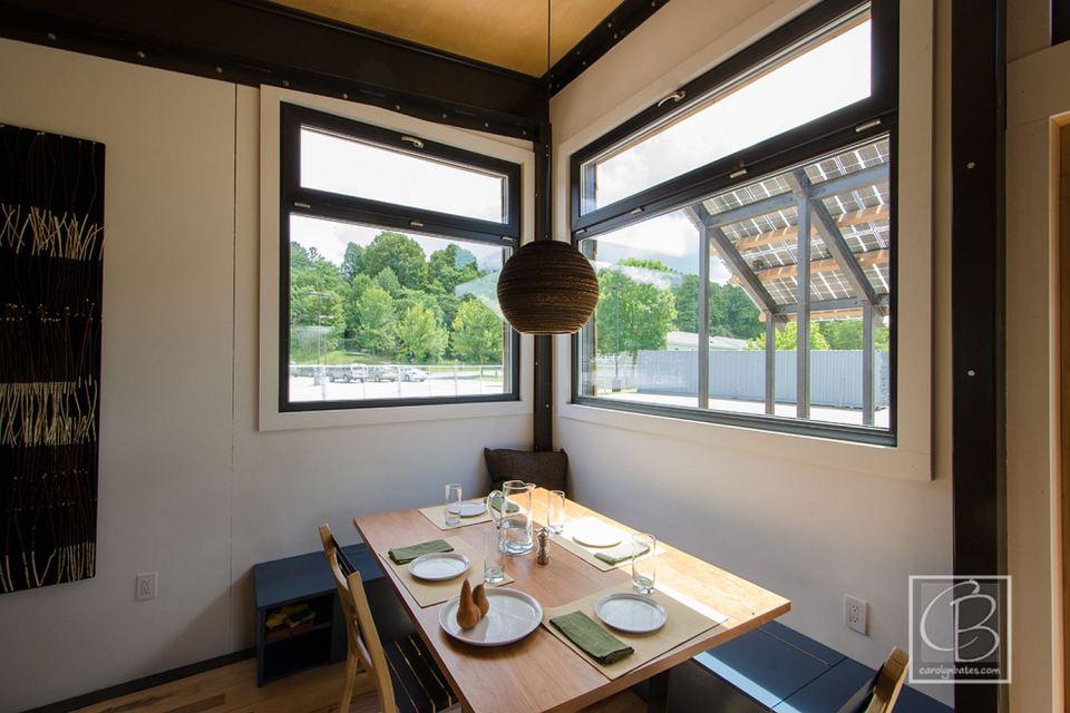 solar energy small wooden house cool idea (4)
