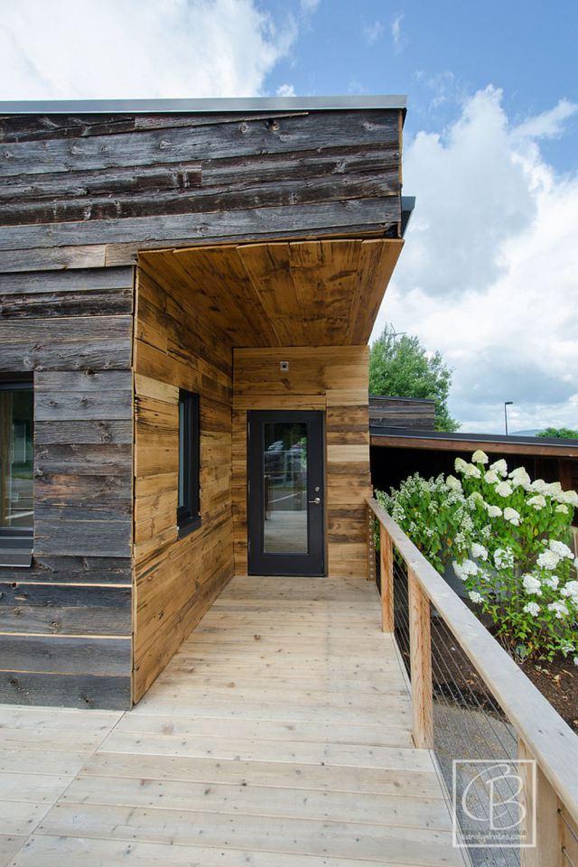 solar energy small wooden house cool idea (8)