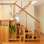 15 ไอเดียเปลี่ยนพื้นที่ว่างเปล่า 'ใต้บันได' ให้กลายเป็นที่เก็บของ ให้บ้านดูโล่งขึ้น
