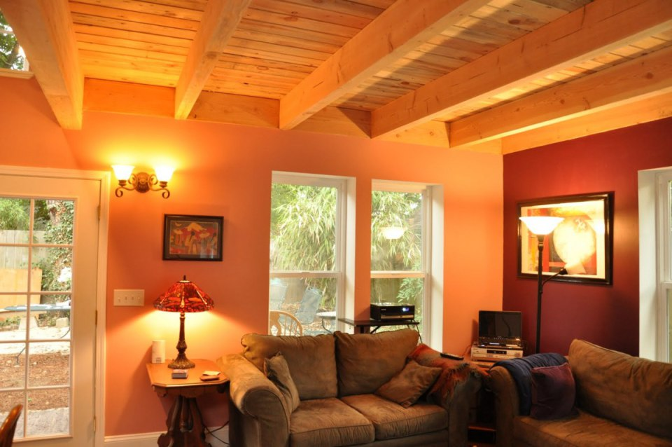 studio cottage house loft wooden (11)