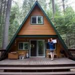 แบบบ้านกระท่อมไม้ทรงสามเหลี่ยม สร้างบรรยากาศพักผ่อน กลางธรรมชาติแสนสงบ
