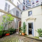แบบบ้านเล็กจิ๋วขนาด 20 ตร.ม. ซ่อนตัวในมุมเล็กๆของเมืองปารีส กับศิลปะที่งดงาม