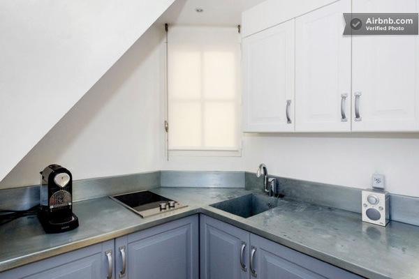 tiny-house-in-paris-06
