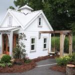 แบบบ้านไม้หลังจิ๋วขนาดทะกัดรัด ออกแบบรูปทรงมีเอกลักษณ์ ภายในแต่งน่ารักน่าอยู่