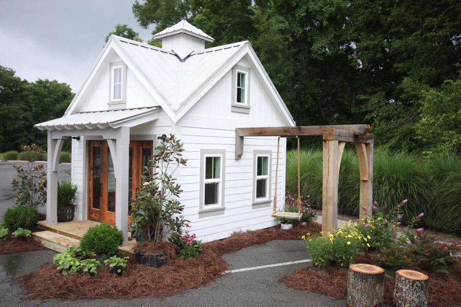 tiny-schoolhouse-1
