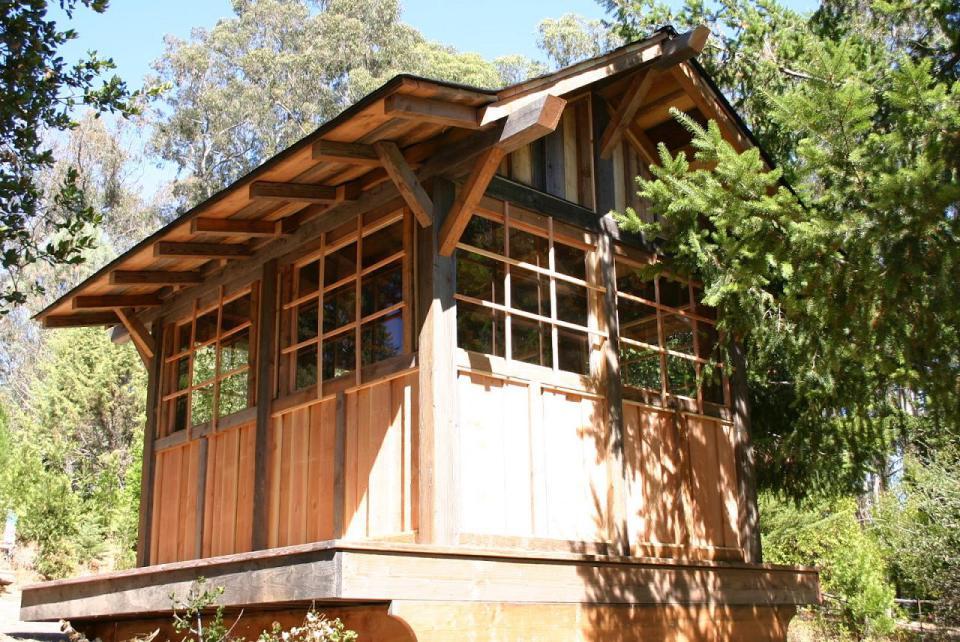 tiny wood cabin house  (4)