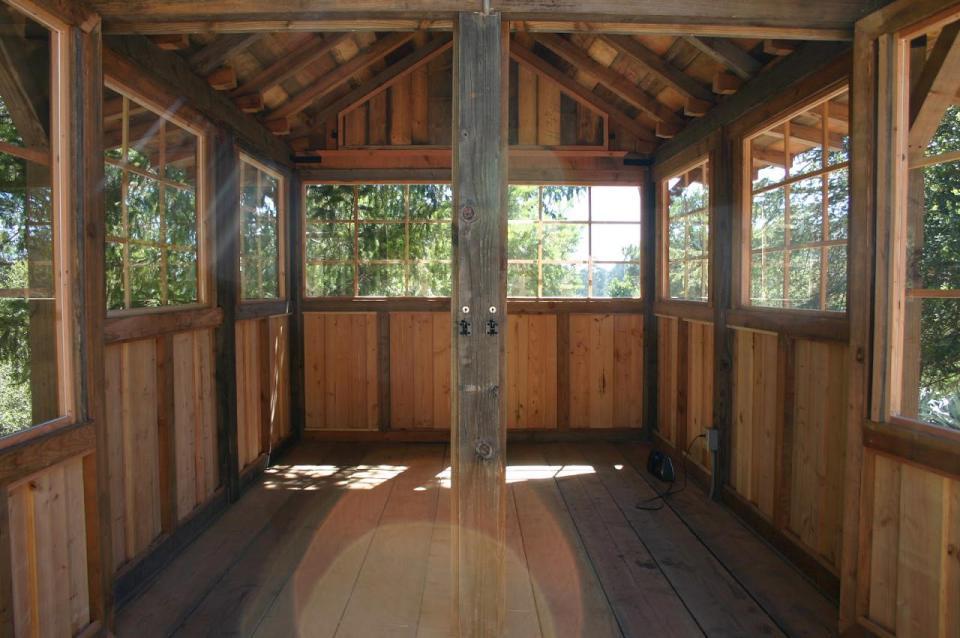 tiny wood cabin house  (6)