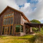 แบบบ้านทรงคอทเทจ แปลงโฉมโรงนาเก่าให้เป็นบ้านใหม่ ตกแต่งสวยงามน่าอยู่