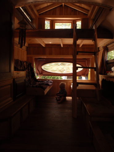 1994 school bus to wooden house cool idea (4)