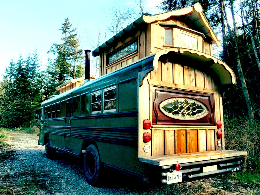 1994 school bus to wooden house cool idea (7)
