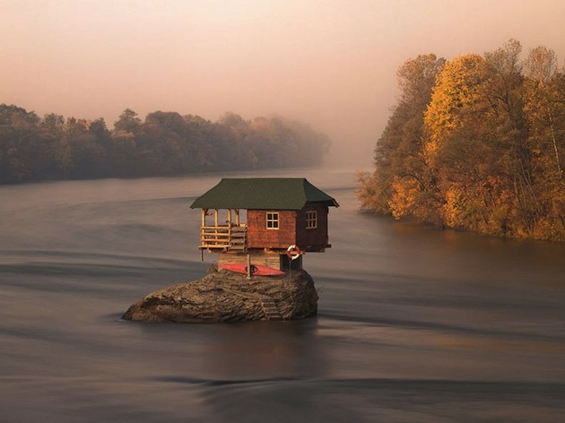 45-Year-Old-Tiny-Serbian-Drina-River-Home-1