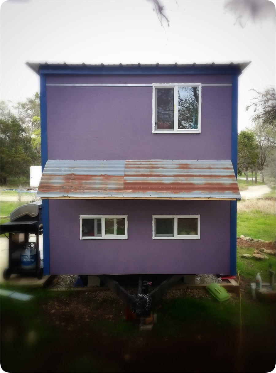 83-square-feet-tiny-house-13