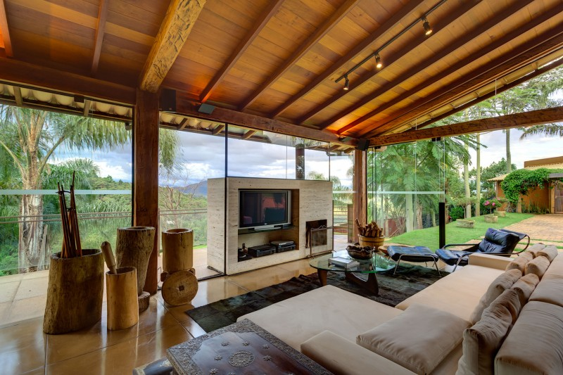 A-Country-Home-in-Brazil-08-800x533