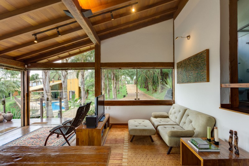 A-Country-Home-in-Brazil-10-800x533