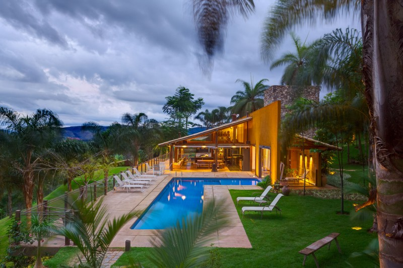 A-Country-Home-in-Brazil-17-800x533
