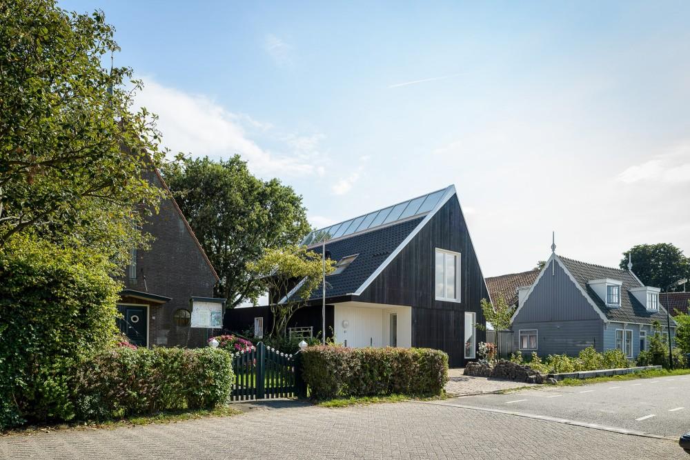 Dwelling-in-Uitdam