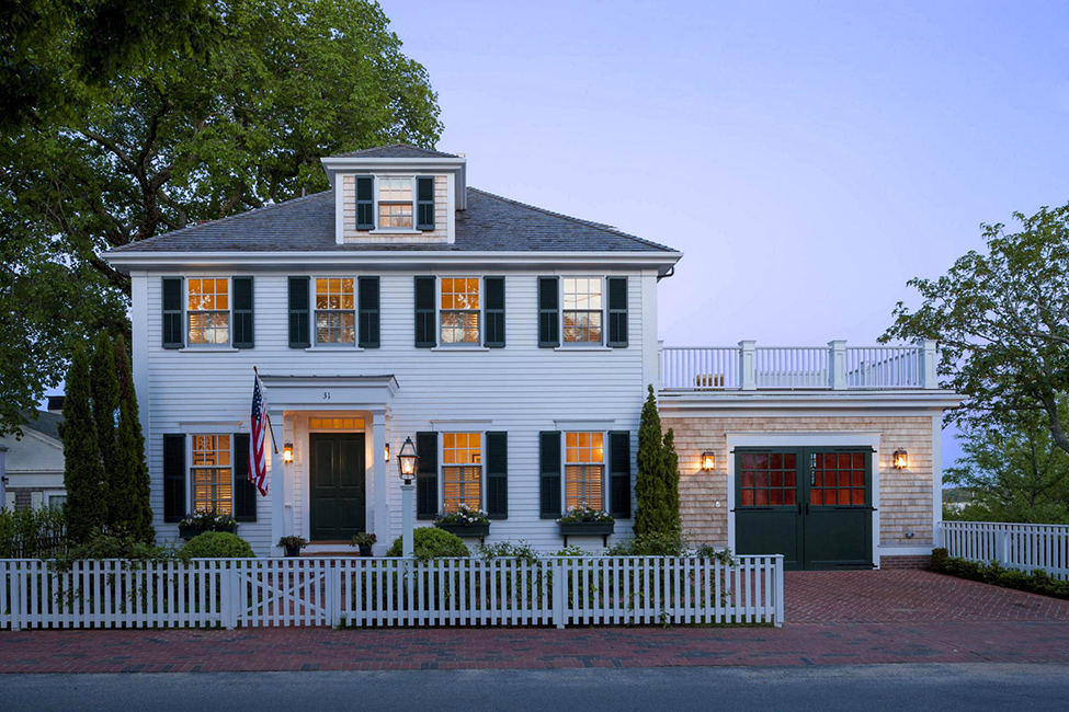 Front-Colonial-style-house