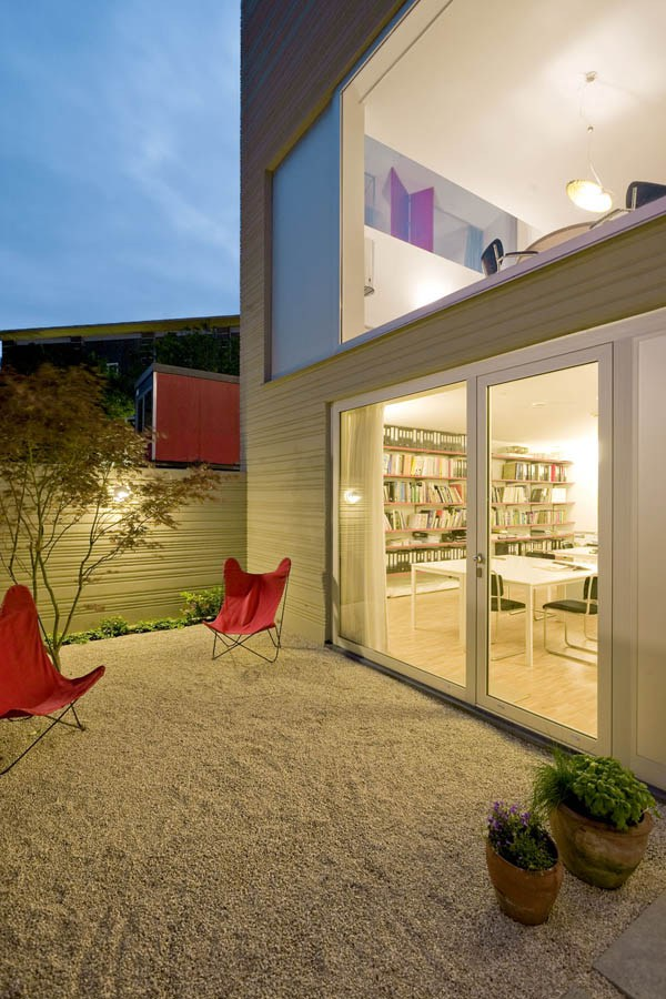 compact 3 storey townhome (12)