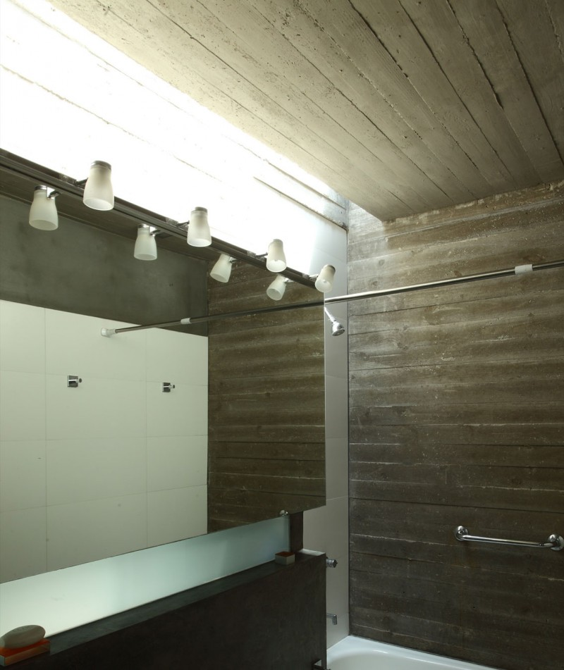 concrete house in argentina with serene living (15)