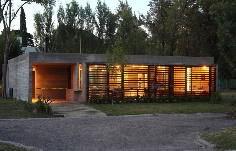 concrete house in argentina with serene living (16)