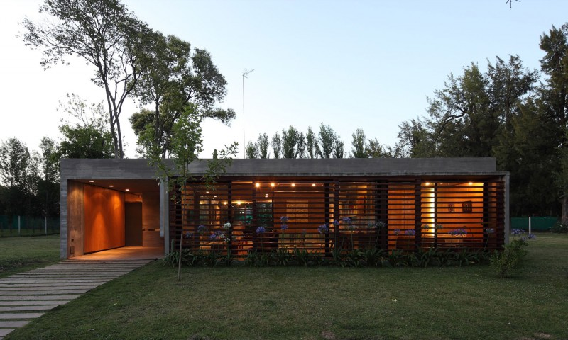 concrete house in argentina with serene living (17)