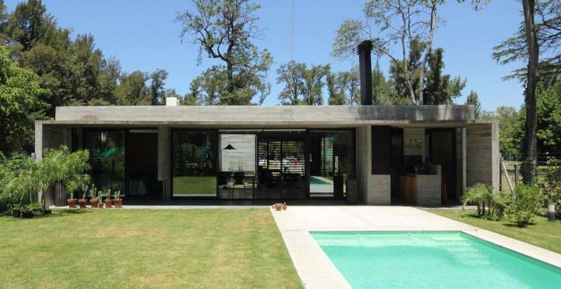 concrete house in argentina with serene living (2)