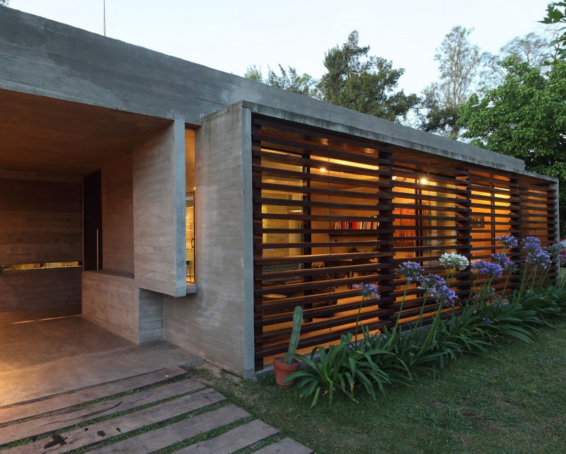 concrete house in argentina with serene living (20)