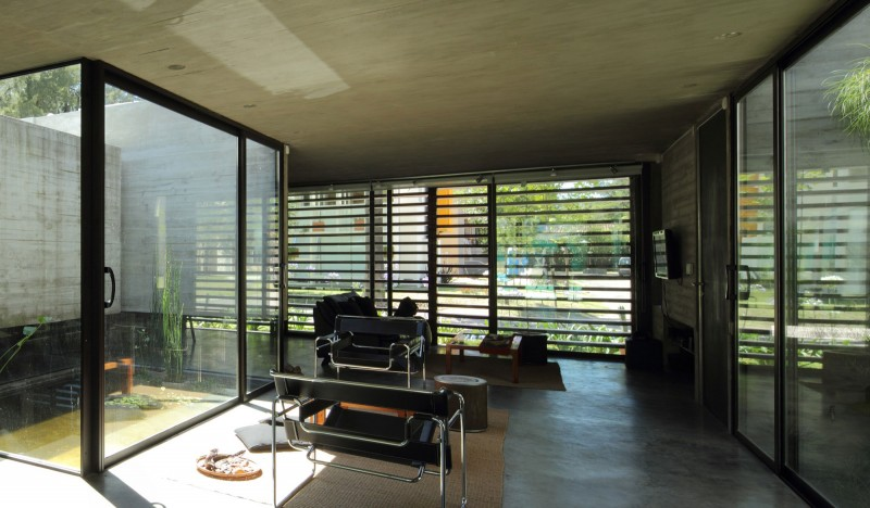 concrete house in argentina with serene living (7)