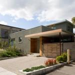 บ้านสองชั้นร่วมสมัยในพื้นที่กลางเมือง เสริมบรรยากาศธรรมชาติสีเขียว เติมเต็มความร่มรื่น