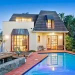 บ้านชั้นเดียวแบบร่วมสมัย มีพื้นที่ทั้งสวนและสระว่ายน้ำ ให้ใช้ชีวิตพักผ่อนอย่างเต็มที่