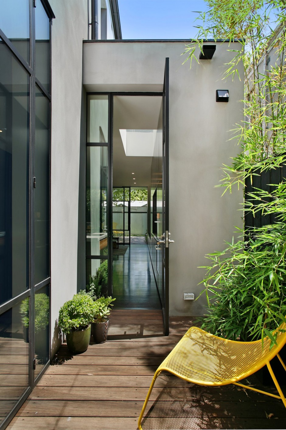 contemporary townhouse renovation in australia (5)