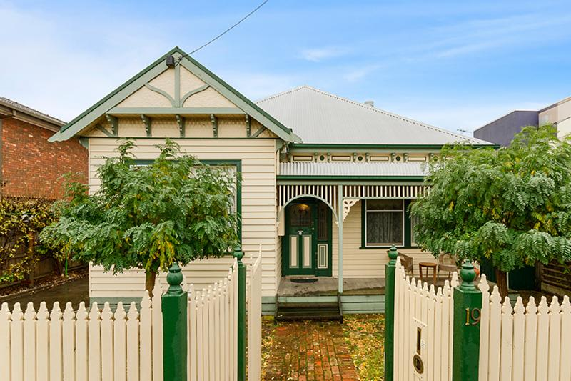 contemporary vintage wood cottage house in australia 4 bedrooms (1)