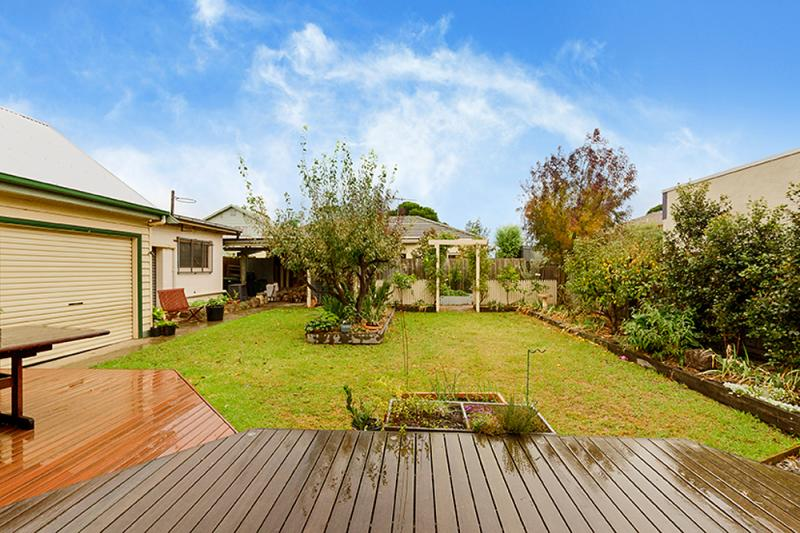 contemporary vintage wood cottage house in australia 4 bedrooms (3)