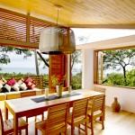 บ้านพักตากอากาศ สร้างบนแนวคิดของการพักผ่อน ในบรรยากาศธรรมชาติของภูเขาและทะเล