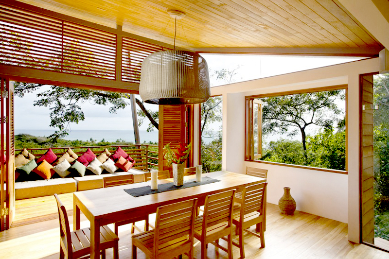 contemporary wood vacation house in costa rica (1)