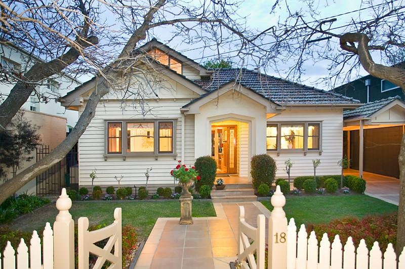 cottage 4 bedroom house australia (1)