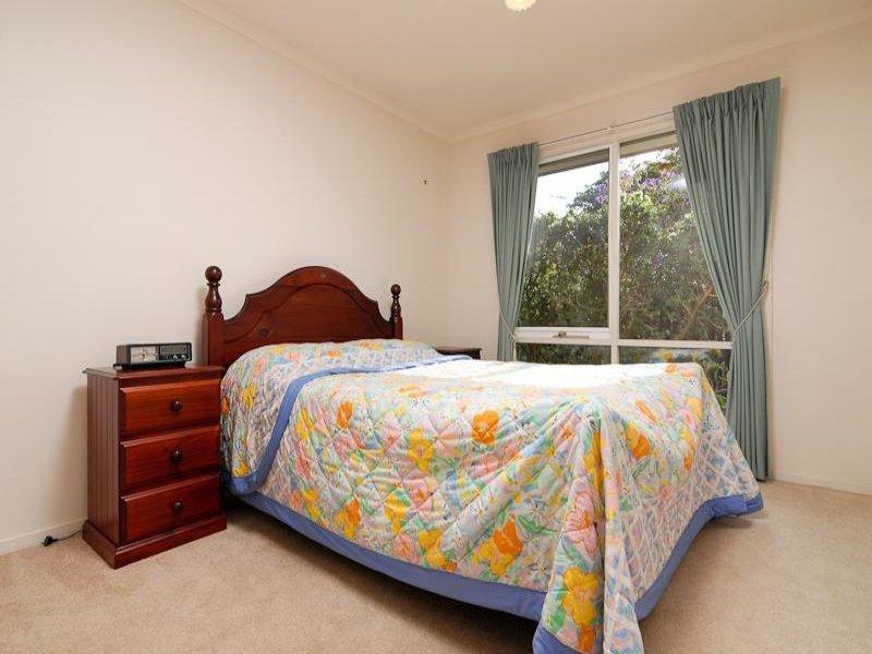 cottage brick house city 2 bedrooms (5)
