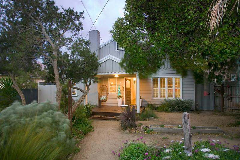 cottage house for family in australia (1)