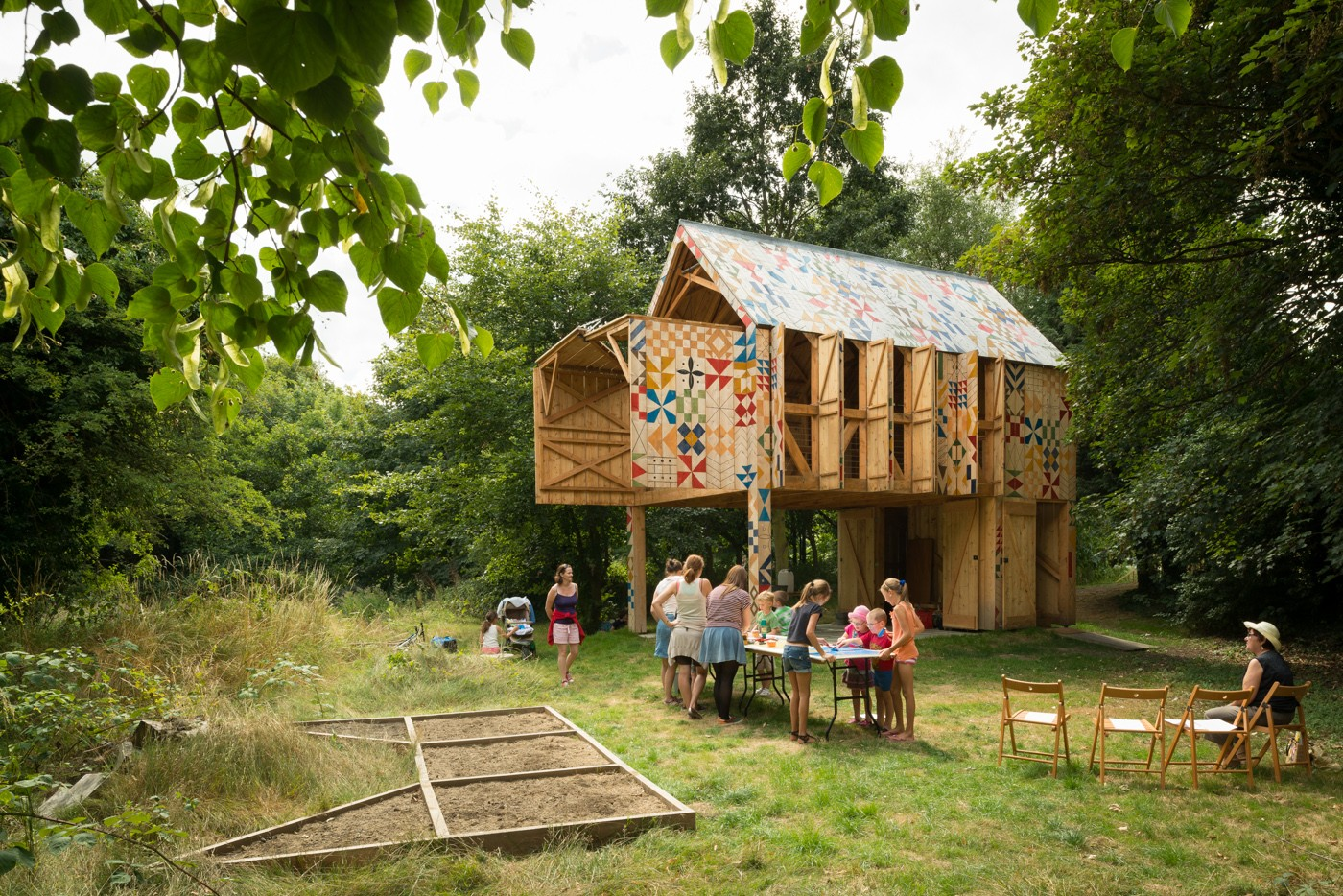 cottage house with environment saving to live with nature (1)
