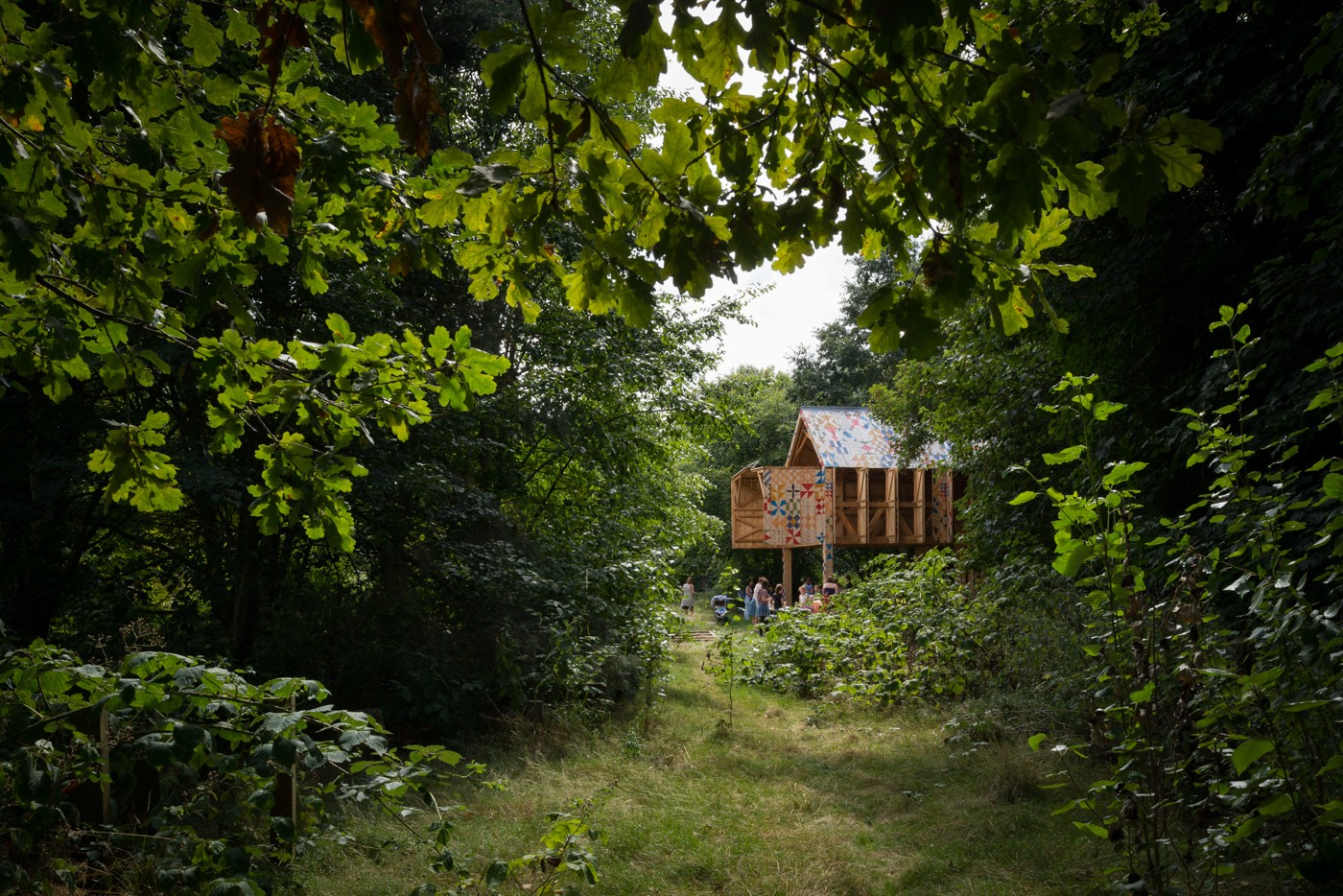 cottage house with environment saving to live with nature (2)