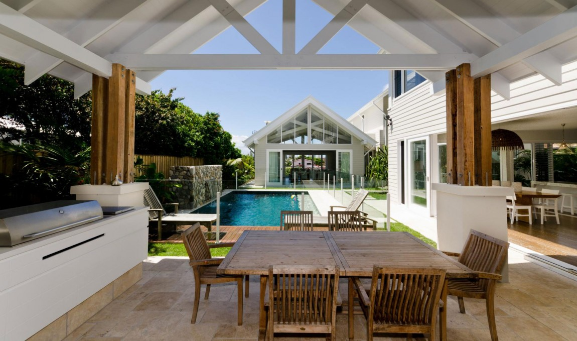 cottage tropical house for serene life (9)
