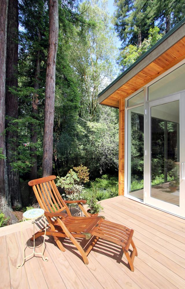 cottage wooden house in california usa (15)