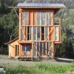 บ้านไม้ประหยัดพลังงาน ผลิตไฟฟ้าใช้เอง บนแนวคิดอนุรักษ์และอยู่ร่วมกับธรรมชาติ