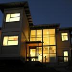 บ้านสองชั้นจากตู้คอนเทนเนอร์ โดดเด่นด้วยรูปทรงภายนอก พร้อมพื้นที่ภายในแบบลอฟท์