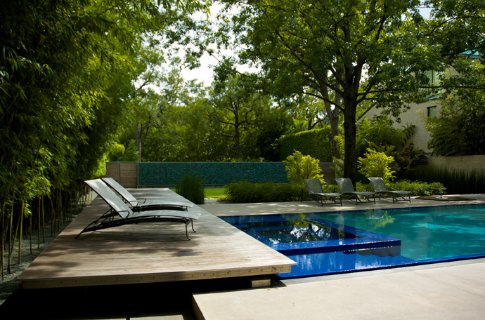 house with green garden and pool (2)