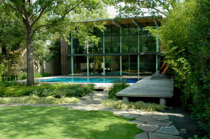 house with green garden and pool (7)