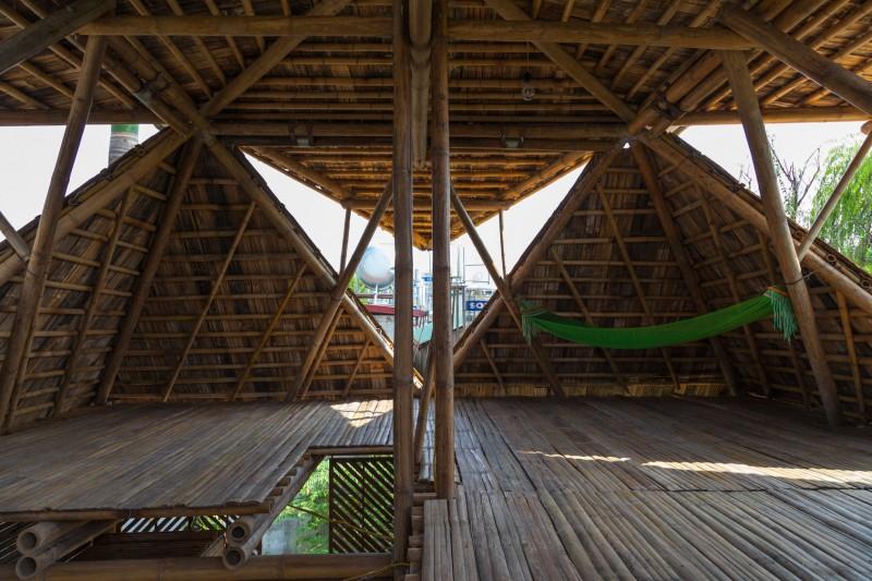 mini cottage bamboo house (12)