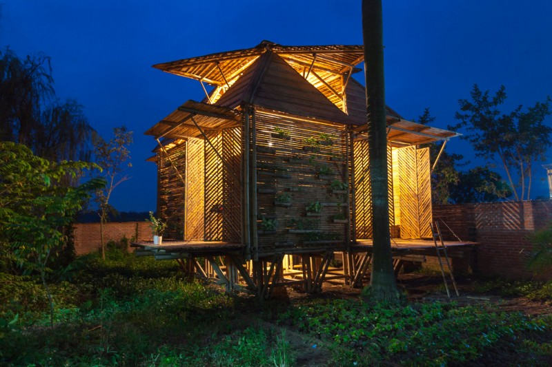 mini cottage bamboo house (18)