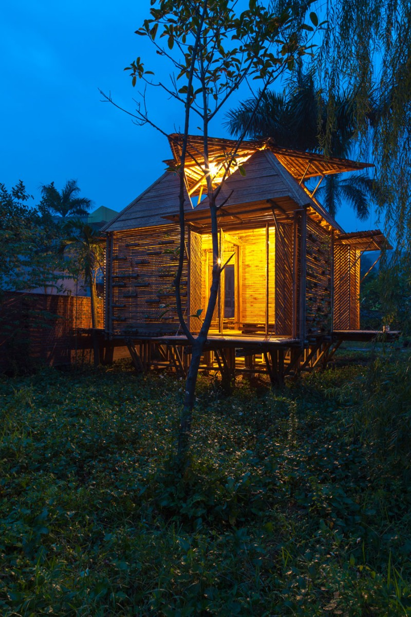 mini cottage bamboo house (19)