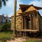 แบบบ้านไม้ไผ่ทรงกระท่อมหลังเล็ก ขนาดประมาณ 44 ตร.ม. บนแนวคิดอนุรักษ์ธรรมชาติ